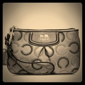 NWT COACH Madison Dotted OP Art Wristlet